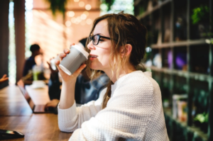 Alasan Wanita Merasa Bahagia Meski Menjomblo